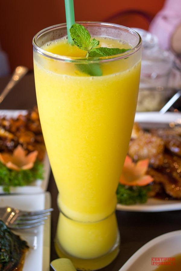 For dessert, we first had a taste of Wee Nam Kee's Mango Sago ...