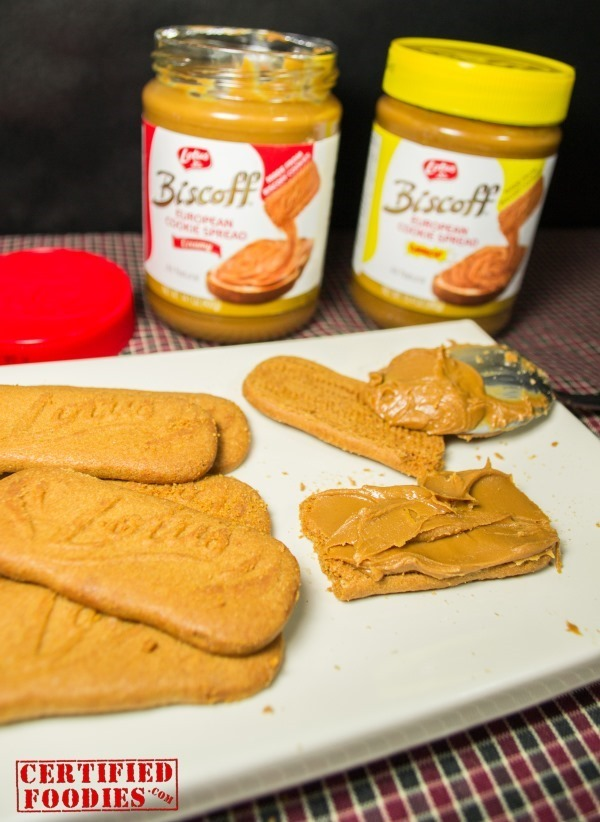 Spread cookie butter on your Speculoos cookies