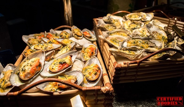 Baked Mussels and Oysters at Corniche