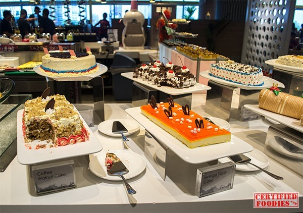Cakes at Vikings SM Megamall