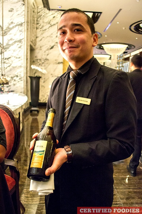 Sommelier Geordie of Finestra Italian Restaurant in Solaire with Prosecco Di Valdobbiadene