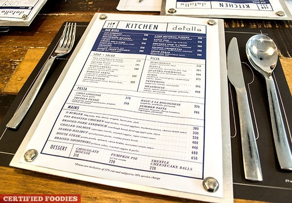 detalle bar and kitchen's menu screwed on aluminum boards[2][4]