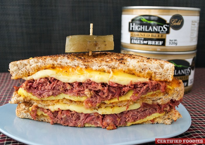 Highlands Gold Corned Beef with Sriracha Mayo Sandwich - chunky corned Angus beef
