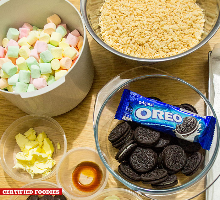 Ingredients for the Oreo Rice Krispie bars